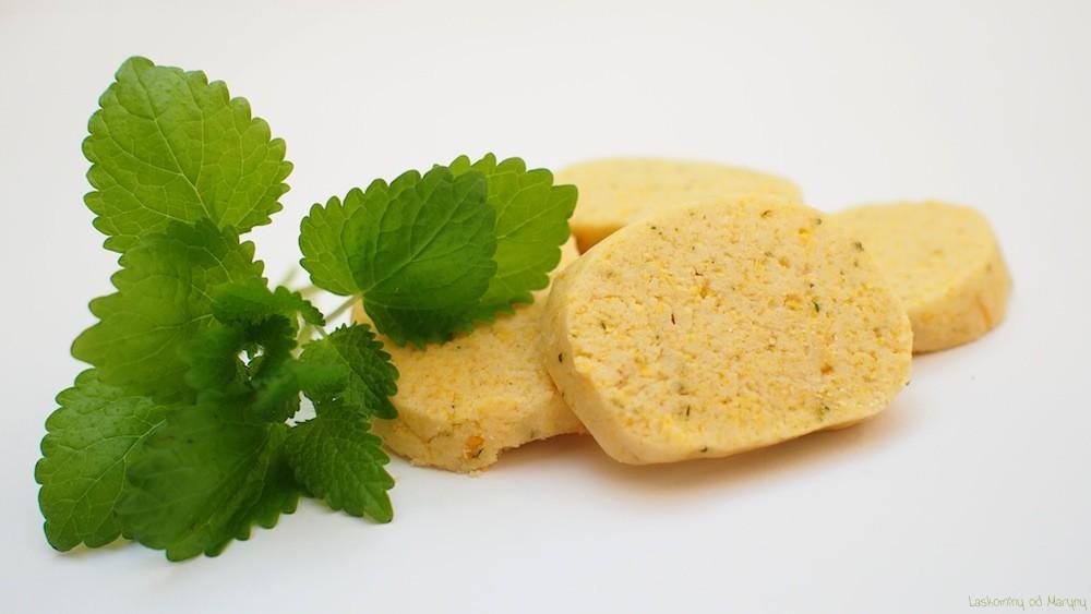 Meduňkové sušenky s polentou