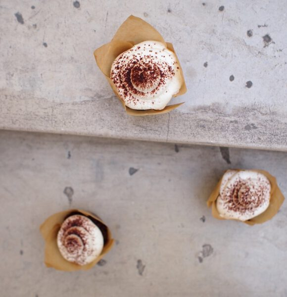 Cupcakes s červenou řepou a krémem z Lučiny